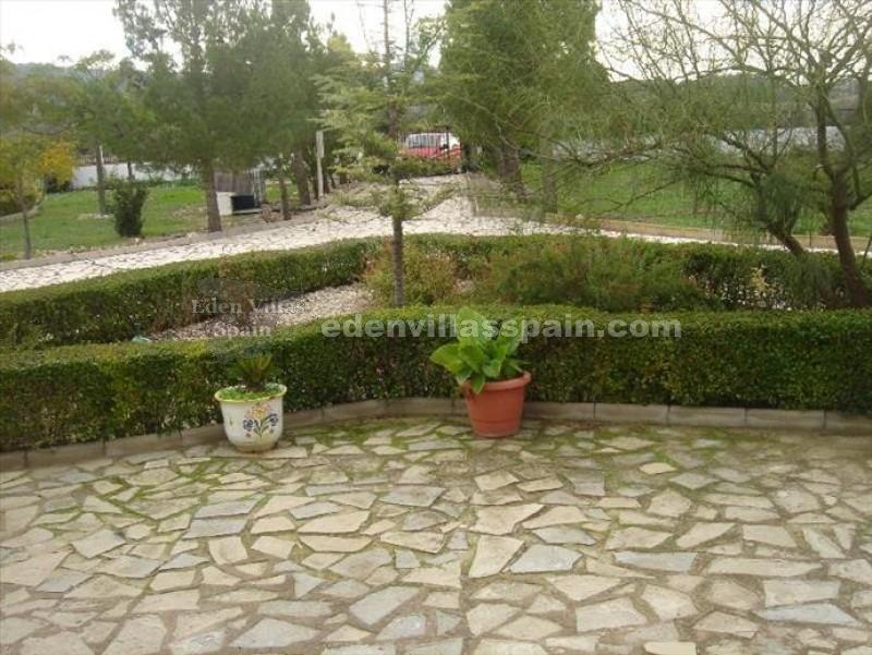 Maison de campagne en sax sax alicante revente 4047 for El jardin del eden alicante